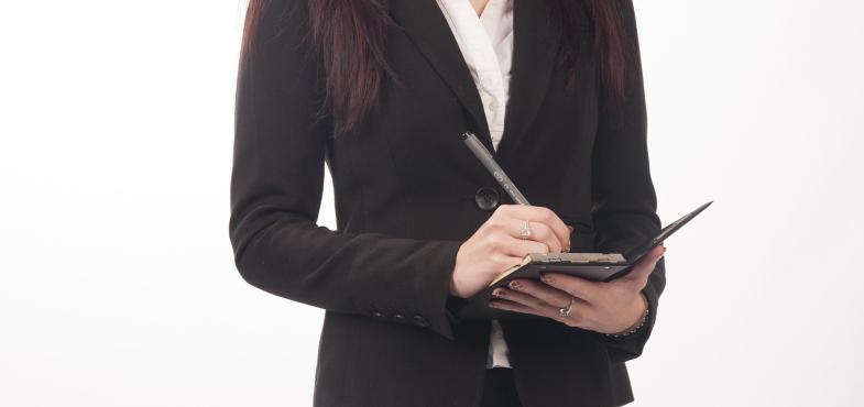 【女性ならではの仕事】子供用英会話教室の秘書の仕事内容・給料レポート