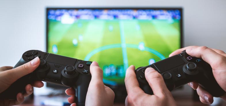 「ゲーム開発会社」の「開発職」の仕事内容・給料レポート