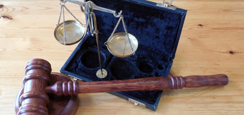 「法律事務所」の「事務職」の仕事内容・給料レポート