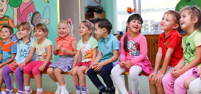 「私立幼稚園」の「幼稚園教諭」の仕事内容・給料レポート