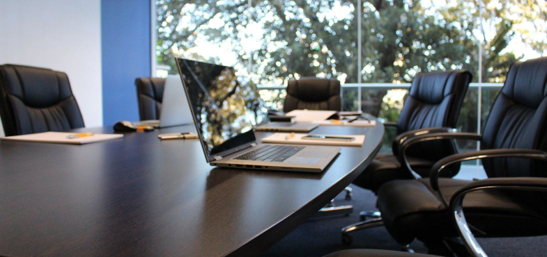 「通信会社」の「営業職」の仕事内容・給料レポート