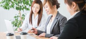 「子供対象英会話スクール」の「教室運営スタッフ」に関する仕事内容・給料レポート